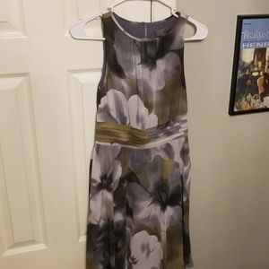 Ann Taylor Grey and Green Flattering Floral Dress